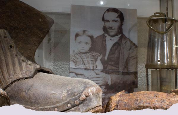 Old mining artefacts in the Treak Museum